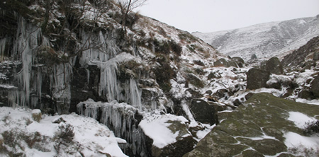 kinder_scout_grindsbrook_clough_winter_09_2.jpg