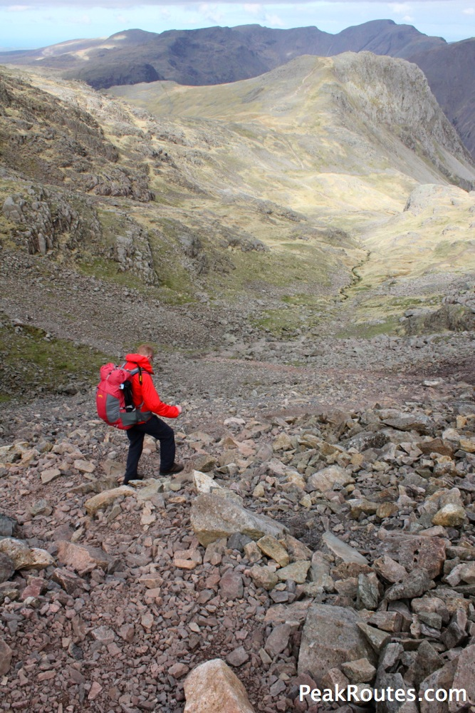 Descending towards Lingmell